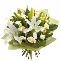 Ramo rosas blancas y lilium